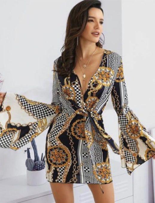 Φόρεμα με φαρδύ μανίκι