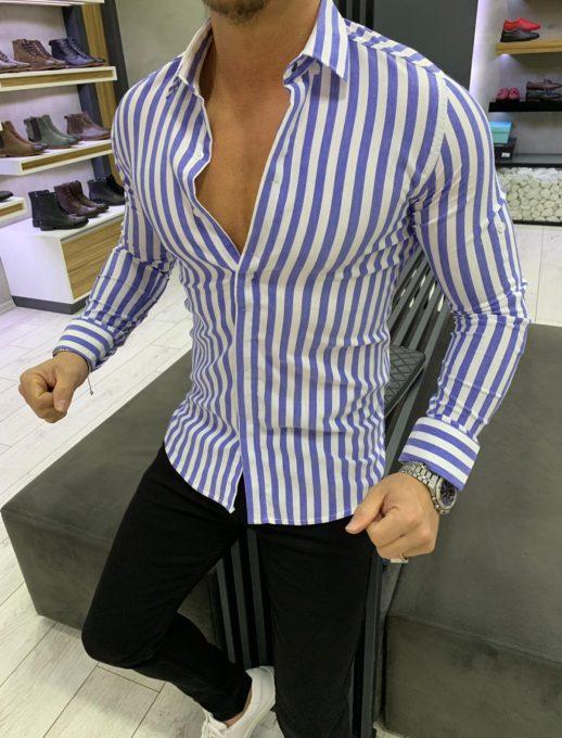 Μπλε ριγέ πουκάμισο