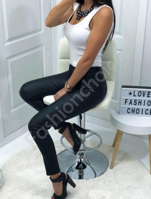 Μαύρο παντελόνι με όψη δερμάτινη κωδ 987