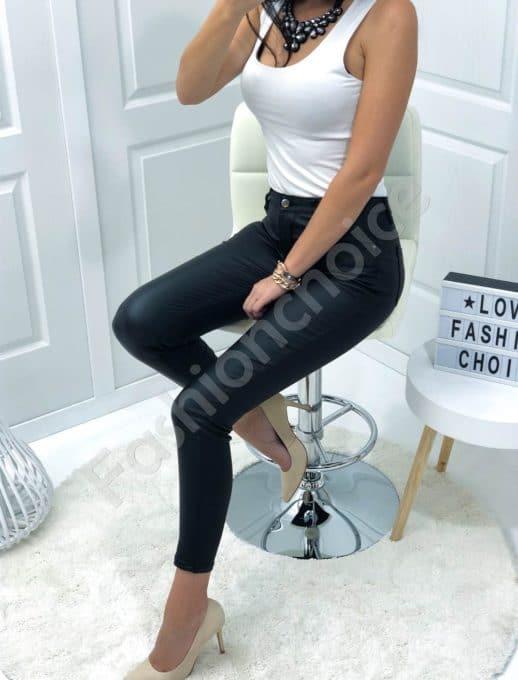 Μαύρο παντελόνι με όψη δερμάτινη κωδ 886