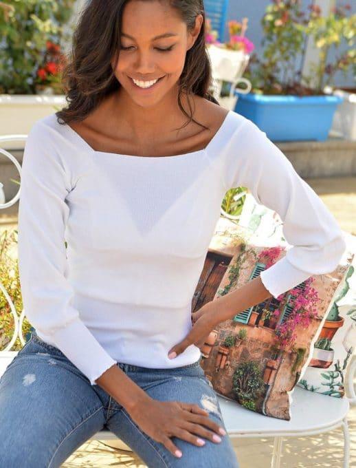 Πλεκτή λευκή μπλούζα με φαρδύ λάστιχο στα μανίκια κωδ 2112