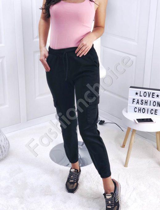 Μαύρο παντελόνι με εξωτερικές τσέπες στο πλάι κωδ 111
