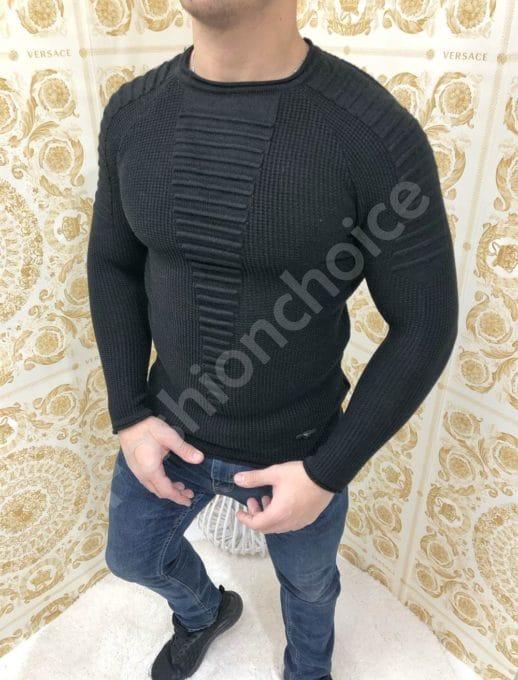 Μαύρο πουλόβερ με ανάγλυφες λεπτομέρειες κωδ 1090-1