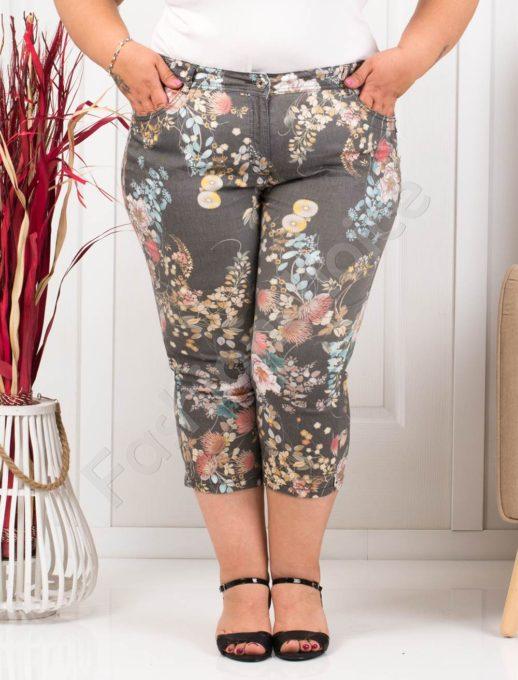 Παντελόνι κάπρι plus size μαύρο με λουλούδια κωδ 988-3